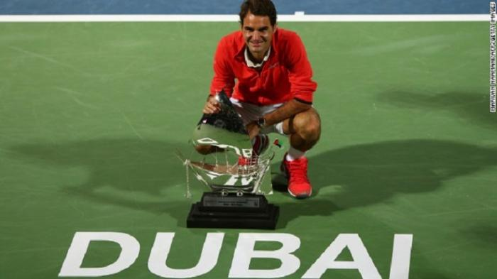 Roger Federer torna in semifinale a Dubai