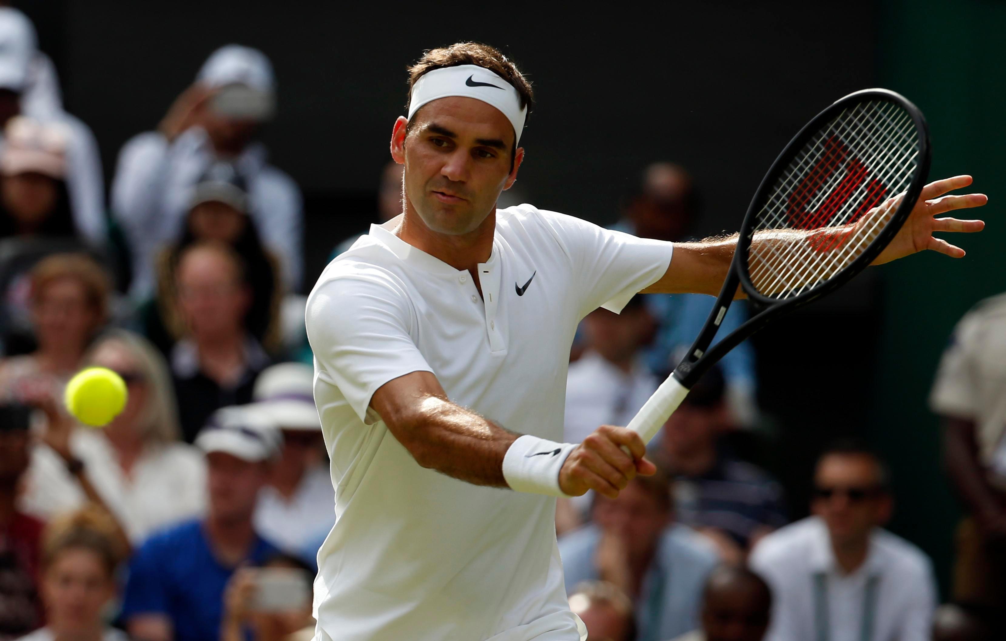 l Federer di oggi ha un tennis più avvolgente, brillante, completo, anche pratico oltreché sontuoso.
